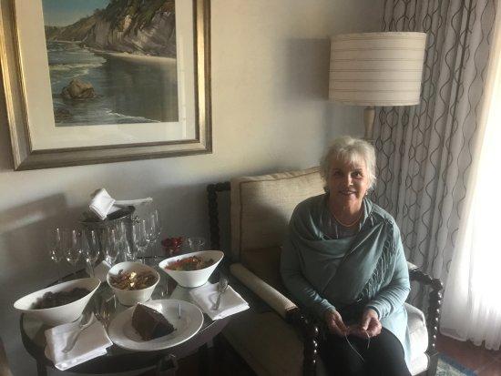Goleta, CA: Birthday in room celebration