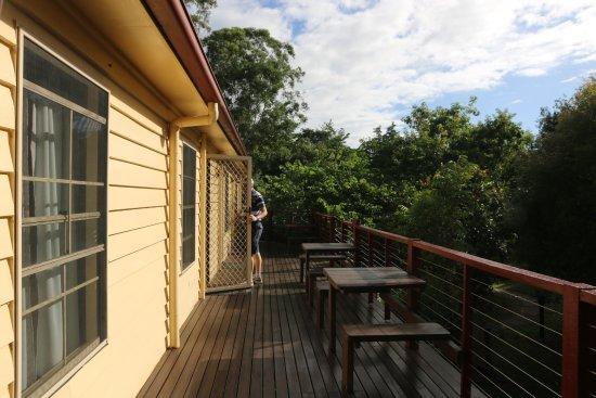 Glass House Mountains, Australien: Verandah outside our room