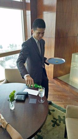 New World Manila Bay Hotel: This guy was amazing....Fred