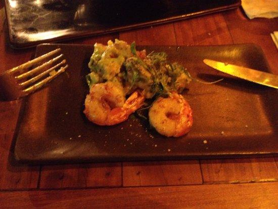 Via Sete: prawns with rustic guacamole