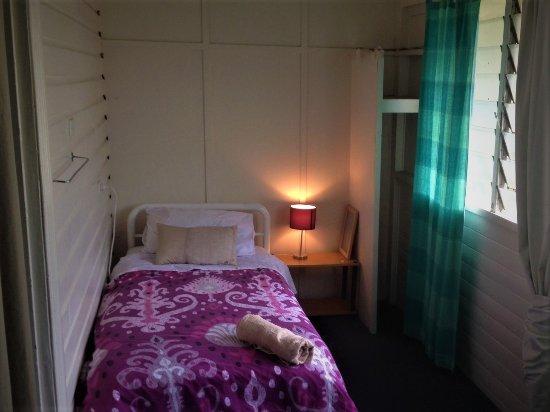 Lismore, Austrália: Bed in girls-only dorm that sleeps just 3. Its a huge room!