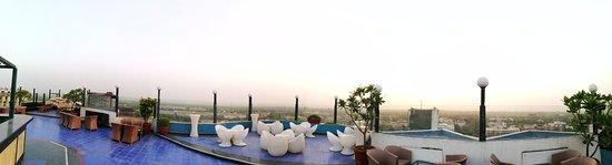 Hotel The Royal Plaza: IMG_20170423_183310_large.jpg