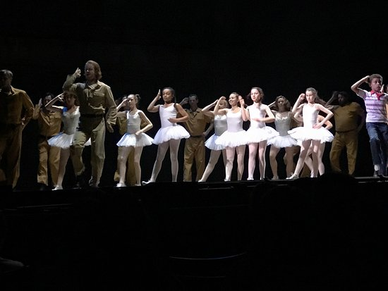 Billy Elliot The Musical: Some photos from the show