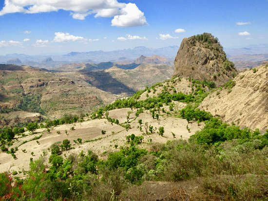 Amhara Region, Etiopia: Hiking down from the lodge