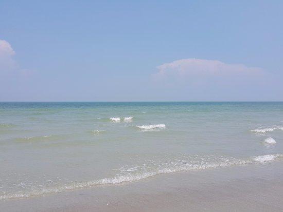 The Grand Beach Resort: Amazing view of the beach & clean water