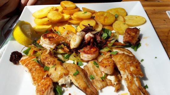 Karo fisch mix picture of karo fisch restaurant hamburg for Cuisine karo