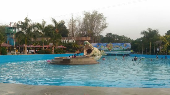Sitio Antonio Wavepool Resort