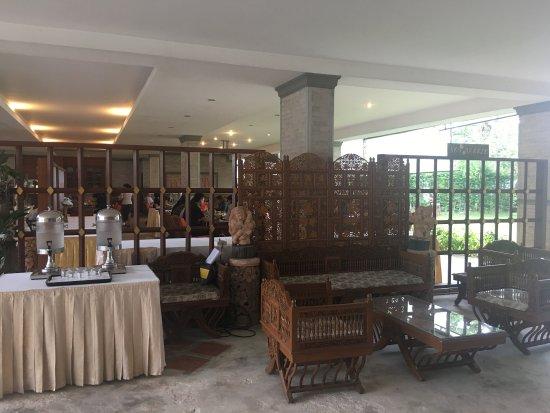 Lipa Noi, Tailandia: Break time during the seminar
