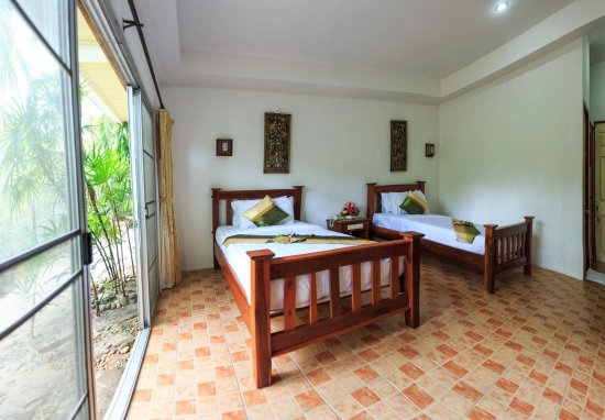 Lipa Noi, Thailand: Standard Deluxe Room(Twin Bed) Room size: 26 sq.m Ensuite