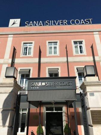 SANA Silver Coast Hotel: front door