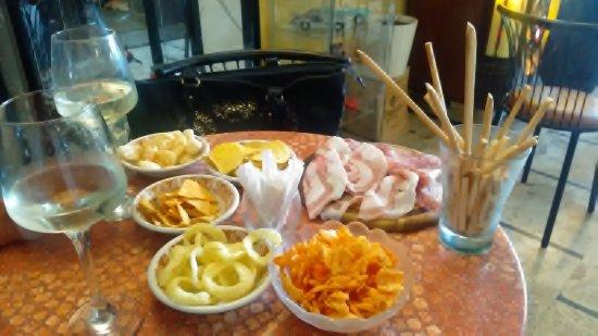 Borghetto di Borbera, Italia: notare la pancetta!!