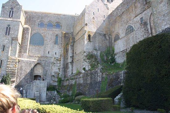 l\'intérieur de l\'abbaye - Picture of Abbaye du Mont-Saint-Michel ...