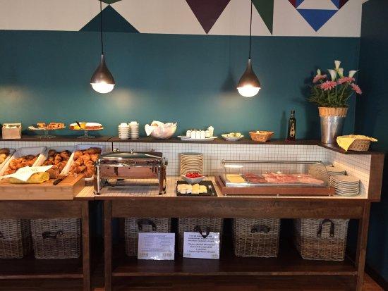 City Hotel: Buffet della colazione