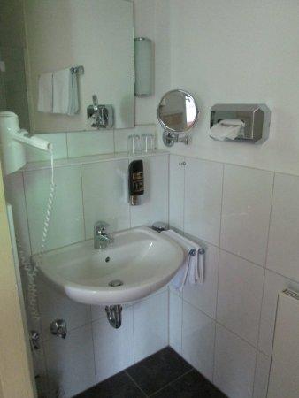 Lindlar, Tyskland: Waschbecken im Badezimmer