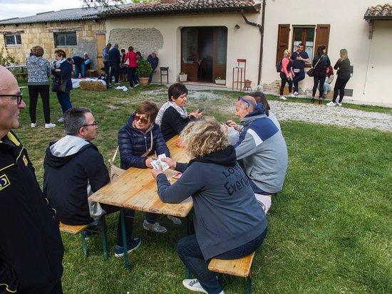 Monteciccardo, Italia: tutti all'aperto