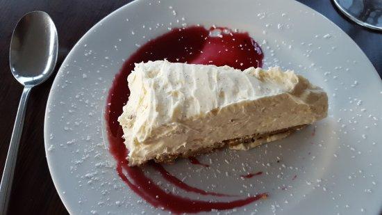 St Just, UK: Vanilla cheese cake - simple but the winner!