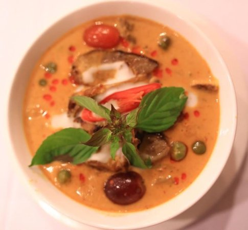 Lipa Noi, Tailandia: Red Curry with Duck Breast