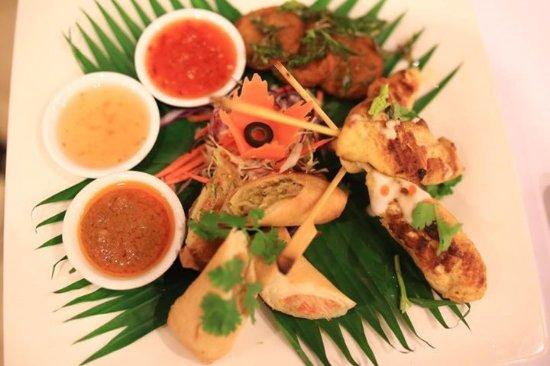 Lipa Noi, Tailandia: Our favourite appitizer Asian Mix