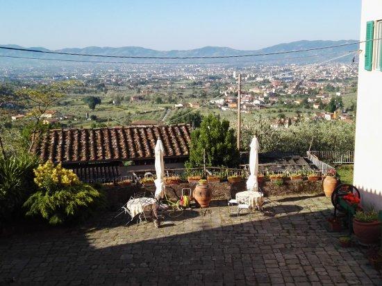 Farmhouse Villa Pacinotti: Vista di Pistoia dalla camera