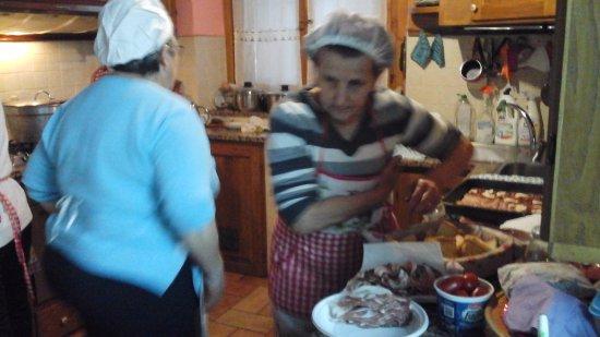 Agriturismo La Pellegrina: Preparazione antipasti