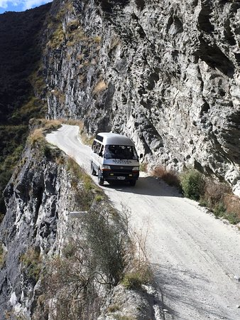 Unforgettable Skippers Canyon Tour: Narrow road....not for those scared of heights.