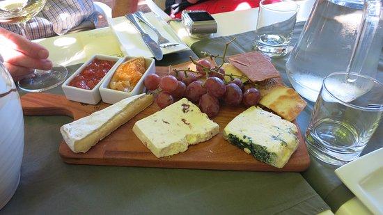 Glenwood Vineyards : deel van het kaasbuffet