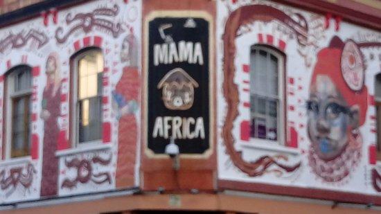 Mama Africa: Logo