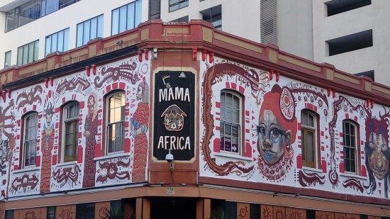 Mama Africa: Esterno