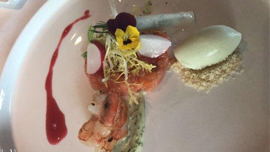 Heerlijk gegeten! Gekozen voor het 6 gangen menu Le Jardin. Top producten, mooi opgemaakte borde