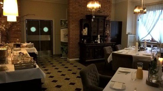 winny dworek cosy restaurantbreakfast room - Breakfast House Restaurant Wall Designs