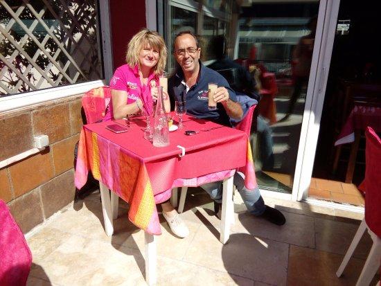 Restaurant Le Piccolo: Terrasse bien agréable sous le solei d'Avril !!l