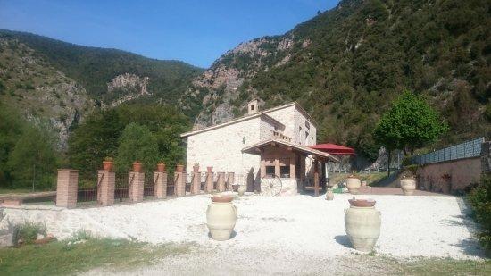 Cerreto di Spoleto, Italia: DSC_0295_large.jpg