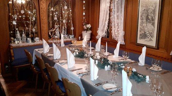 Lindenhof Zuzwil - Gaststube zur Weihnachtszeit