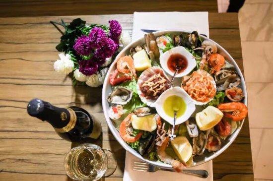 Allo spaccio del pesce milano zona 8 ristorante for Spaccio cucine