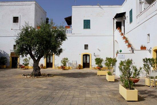 Tenuta Barco di Emera : Corte con i prospetti degli appartamentini