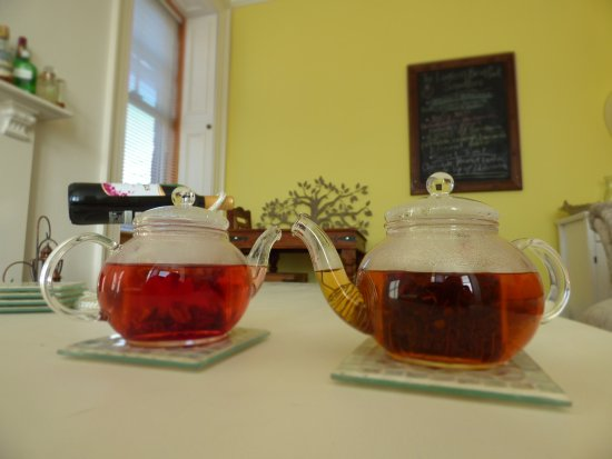 Blairgowrie, UK: 2 of the many loose leaf teas here at The Lantern Bed and Breakfast.