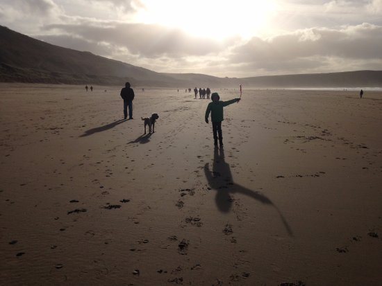 Ocean Backpackers: Woolacombe beach. A 10 minute drive