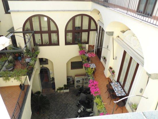 Maison Tofani Picture