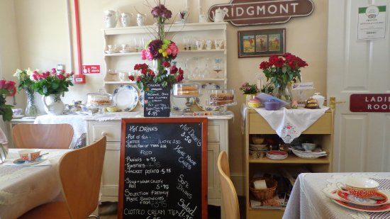 flower overload picture of ridgmont station tea rooms heritage centre ridgmont tripadvisor. Black Bedroom Furniture Sets. Home Design Ideas