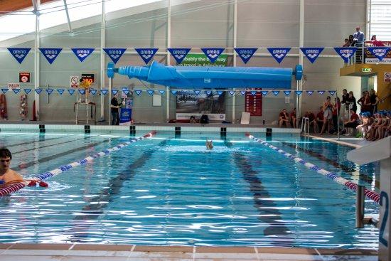 Aqua Vale Leisure Pool Picture Of Aqua Vale Swimming Fitness Centre Aylesbury Tripadvisor