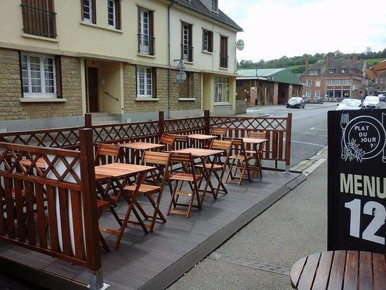 Vimoutiers, Γαλλία: Notre nouvelle terrasse