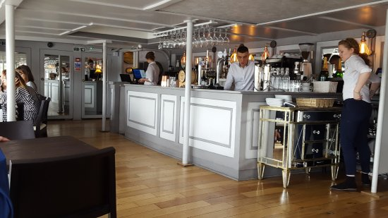 Bar Near Us Picture Of The Yacht London London Tripadvisor