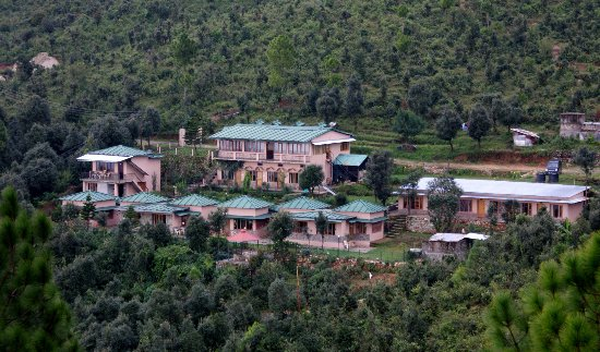 Kumaon, Ấn Độ: Main Building PIcture of Parwati Resort