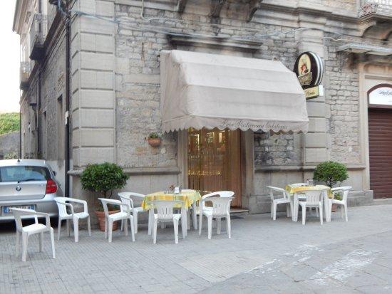 Novara di Sicilia, Włochy: Esterno