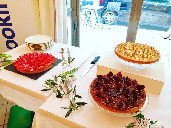 Desserts r alis s par le chef picture of au petit jardin for Au petit jardin uzes