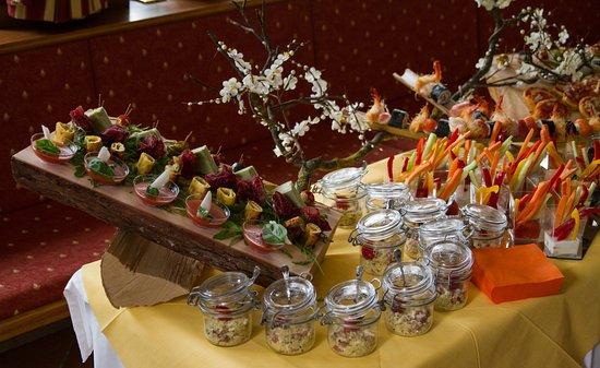 Pieve di Ledro, Italie : buffet cerimonia