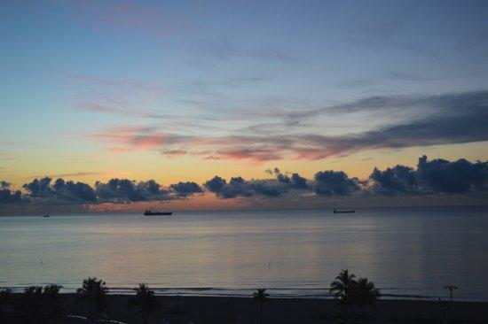 Bahia Mar Fort Lauderdale Beach - a Doubletree by Hilton Hotel: Beautiful sunrise