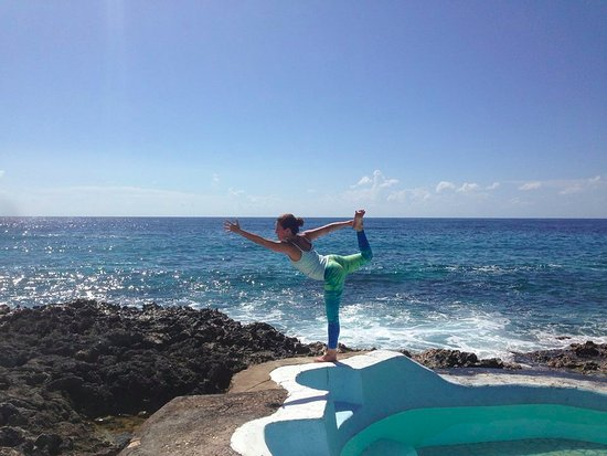 Jackie's on the Reef: Yoga