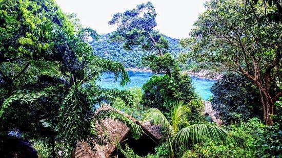 Mango Bay: vu du chemin pieton
