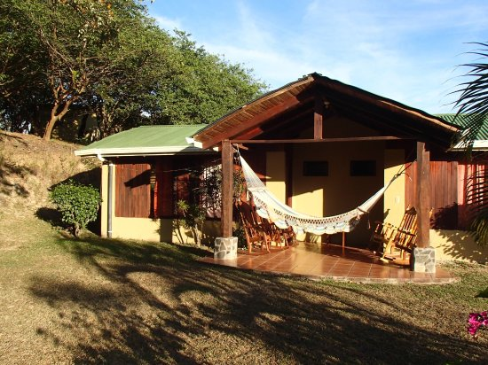 Rinconcito Lodge: Back Patio of room